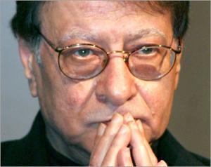 بمناسبة الذكرى السنوية الاولى على رحيل الشاعر محمود درويش