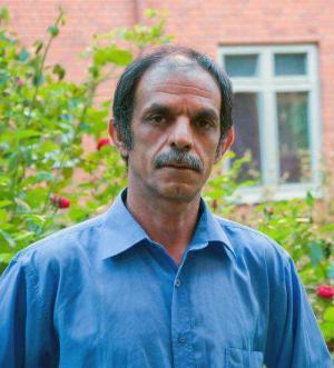 الكاتب الراحل دانا جلال